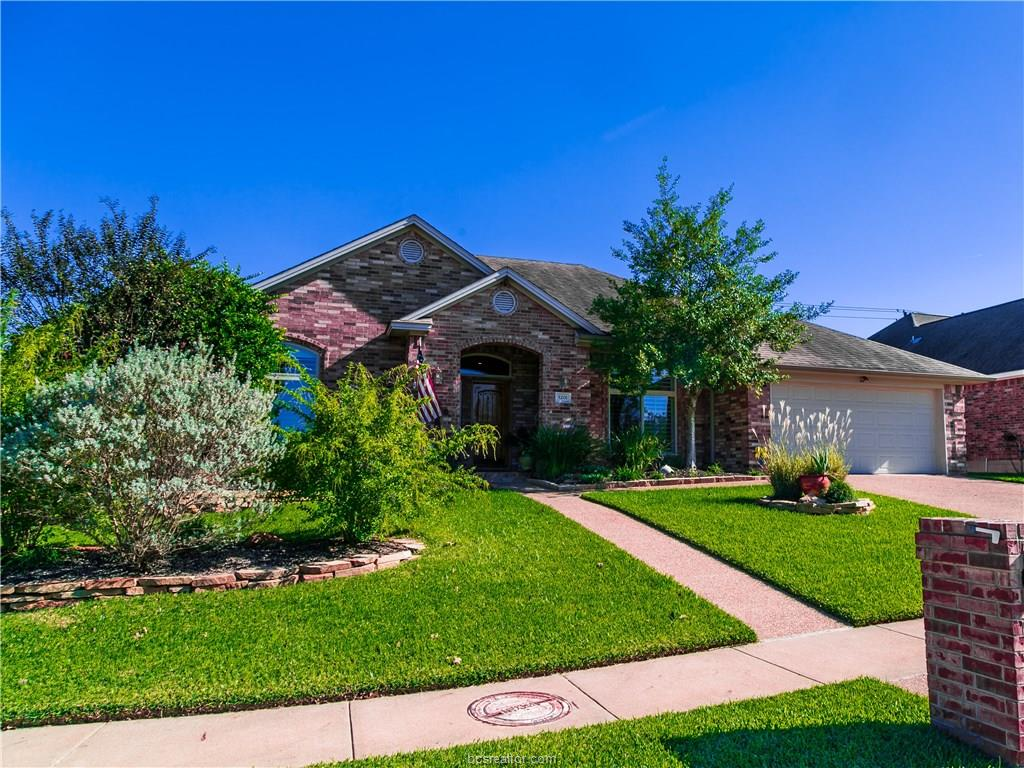 5201 Winchester Dr, Bryan, TX 77802
