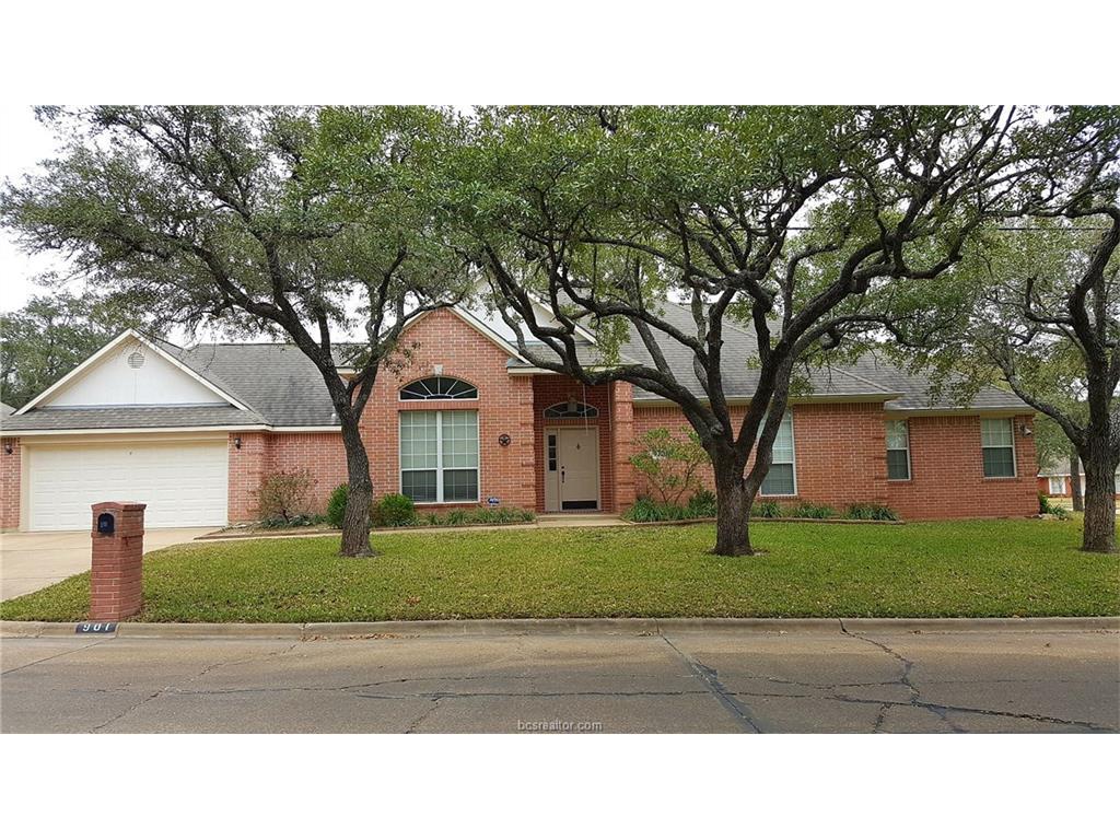 901 Bob White St, Bryan, TX 77802