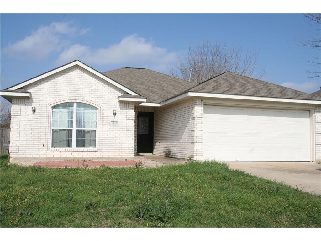 1436 Cedarcrest Ln, Bryan, TX 77803