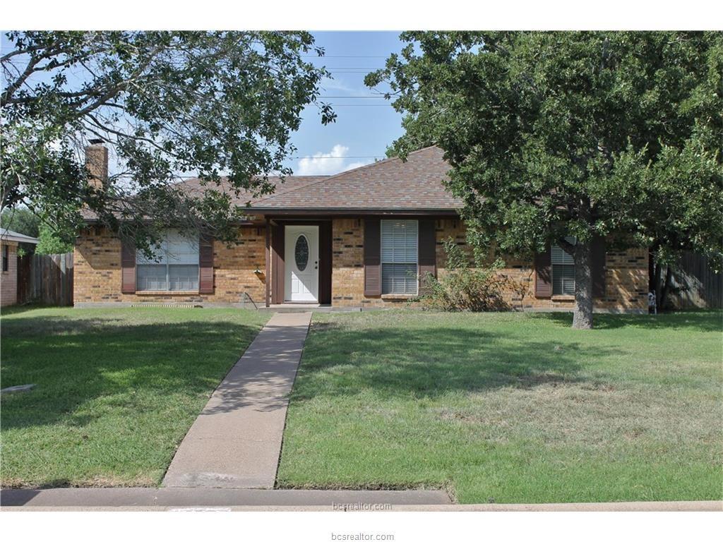 4133 Willow Oak St, Bryan, TX 77802