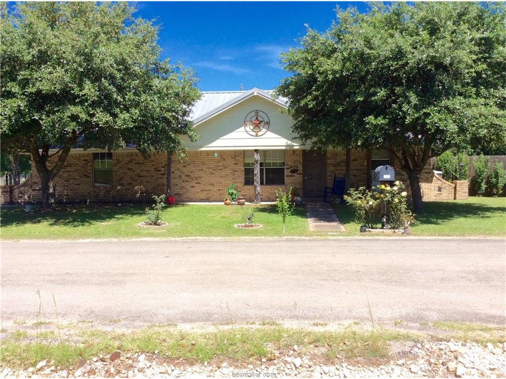 Photo of 412 Bullard Street  Madisonville  TX