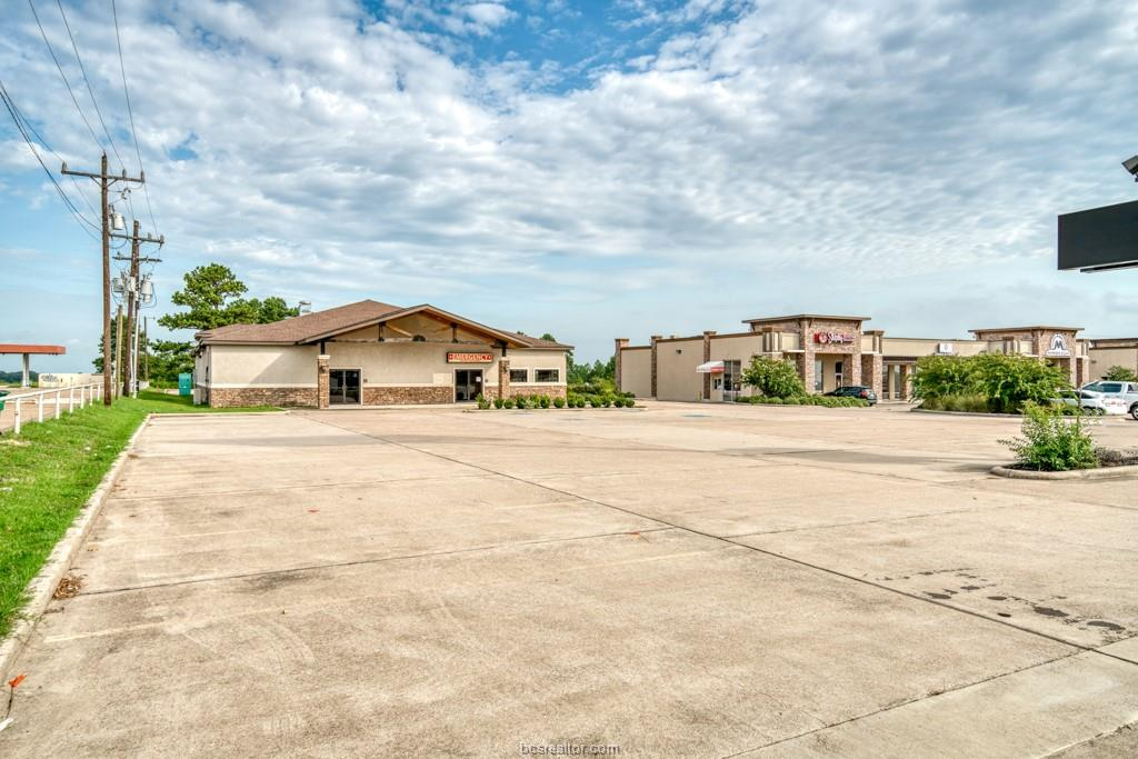 primary photo for 3301 East Main Street, Madisonville, TX 77864-2305, US