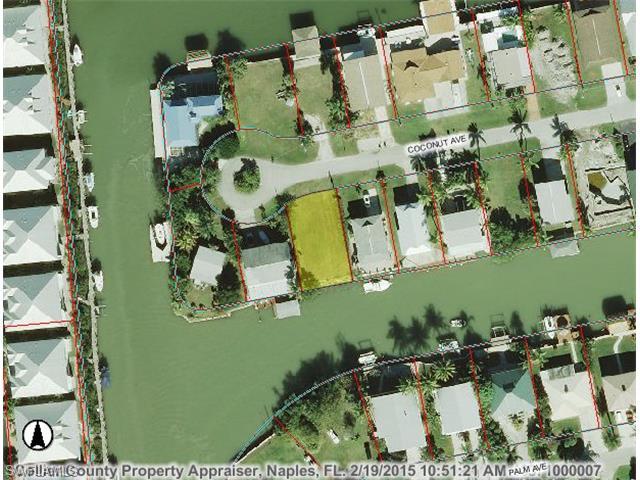 582 Coconut Ave, Goodland, FL 34140