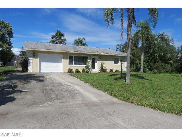 67 9th St, Bonita Springs, FL 34134