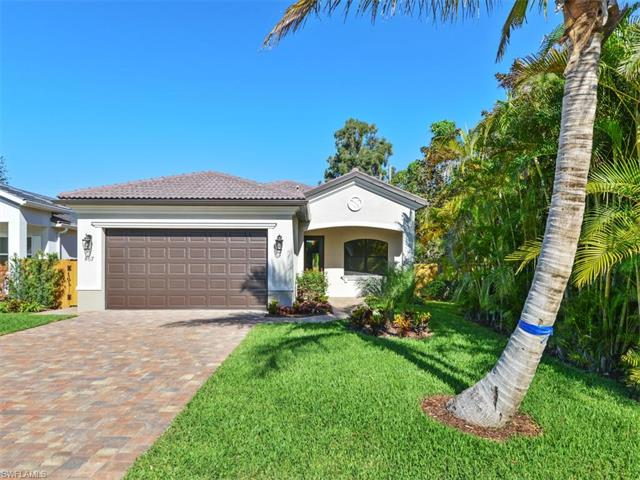Photo of 867 104th AVE N  NAPLES  FL