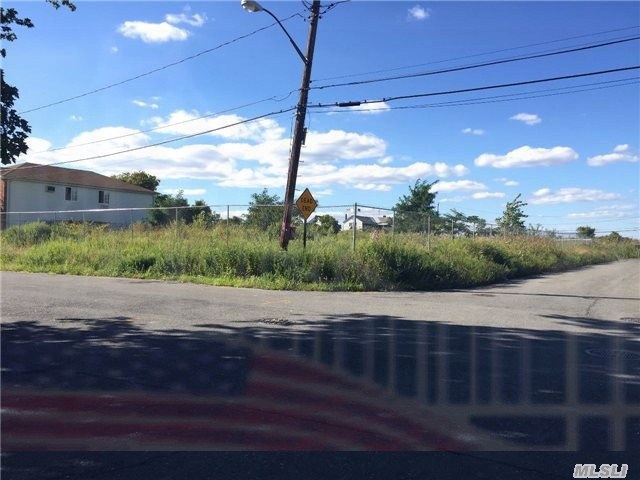 Image of Acreage for Sale near Queens, New York, in Queens county: 0.73 acres