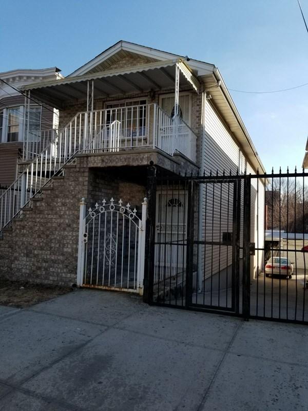 1768 Gleason Ave Bronx, NY 10472