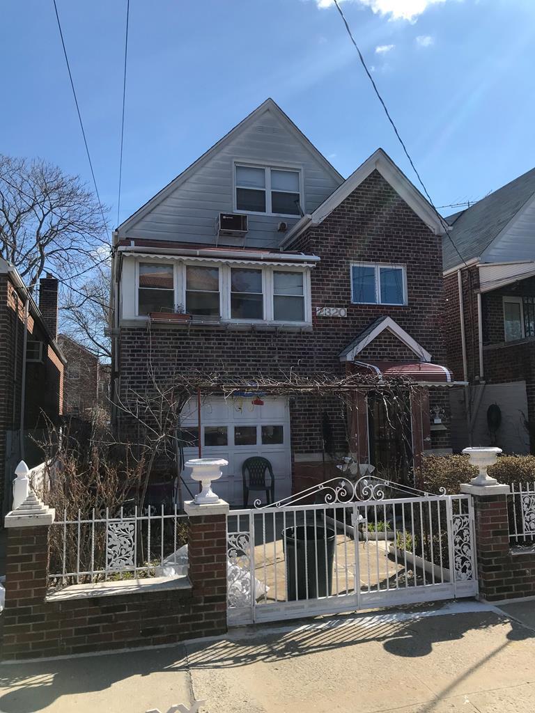 2320 Seymour Ave Bronx, NY 10469