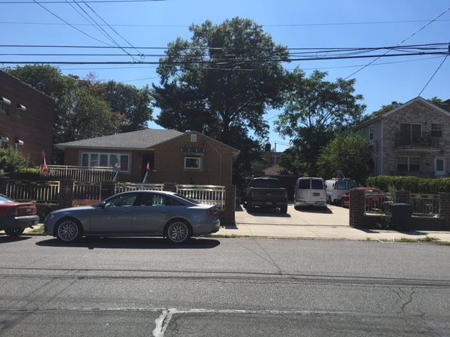 245 Newman Ave, Bronx, New York