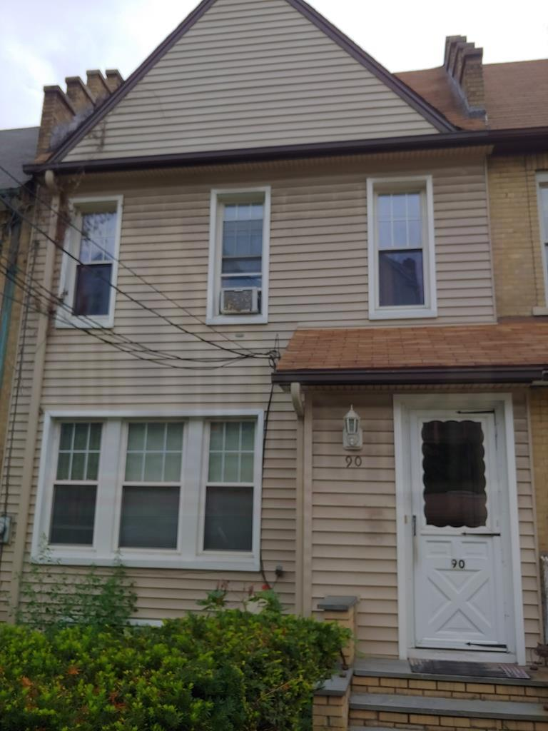 90 Frederic St Yonkers, NY 10703