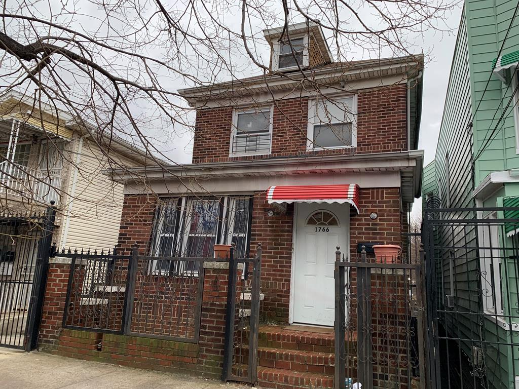 1766 Gleason Ave, Bronx, New York
