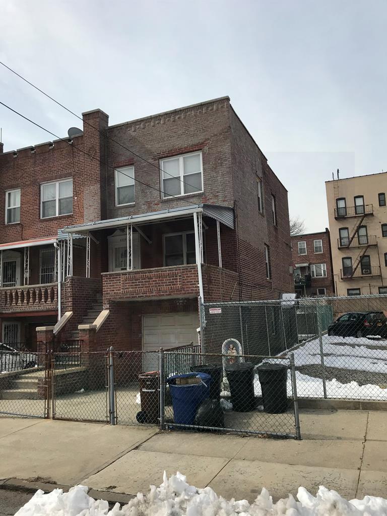 2519 W Matthews Ave,Bronx  NY
