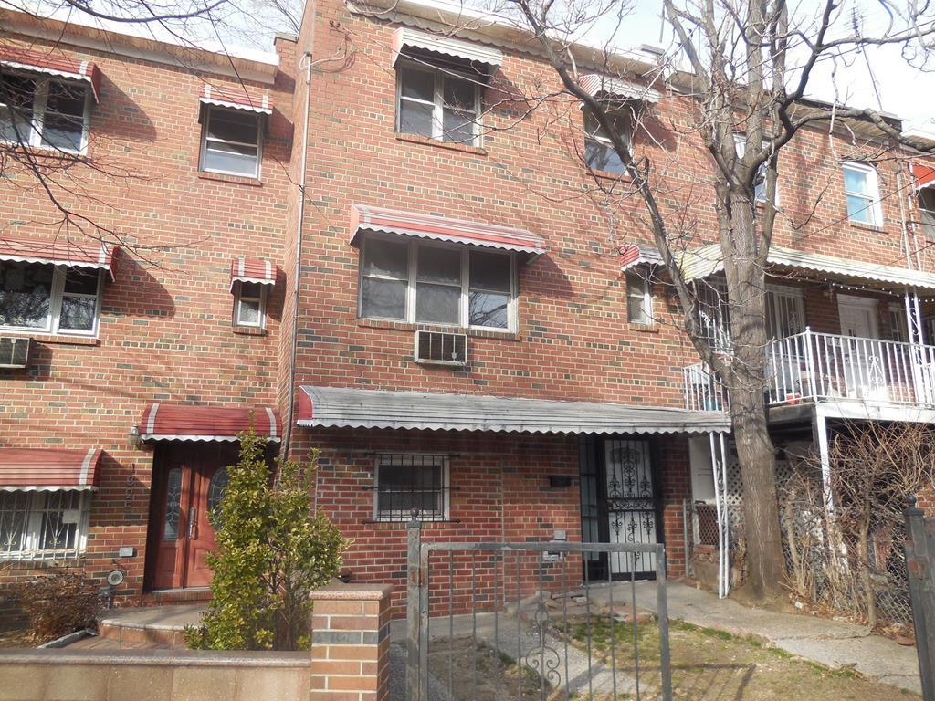 1327 E 233rd St, Bronx, New York