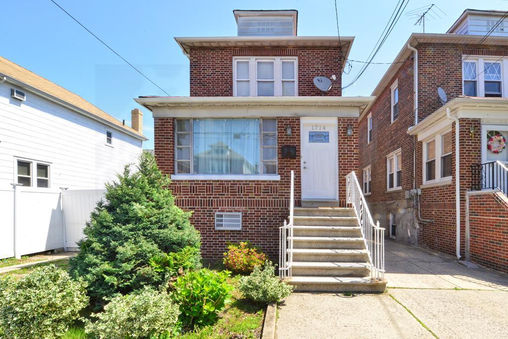 1714 Colden Ave Bronx, NY 10461