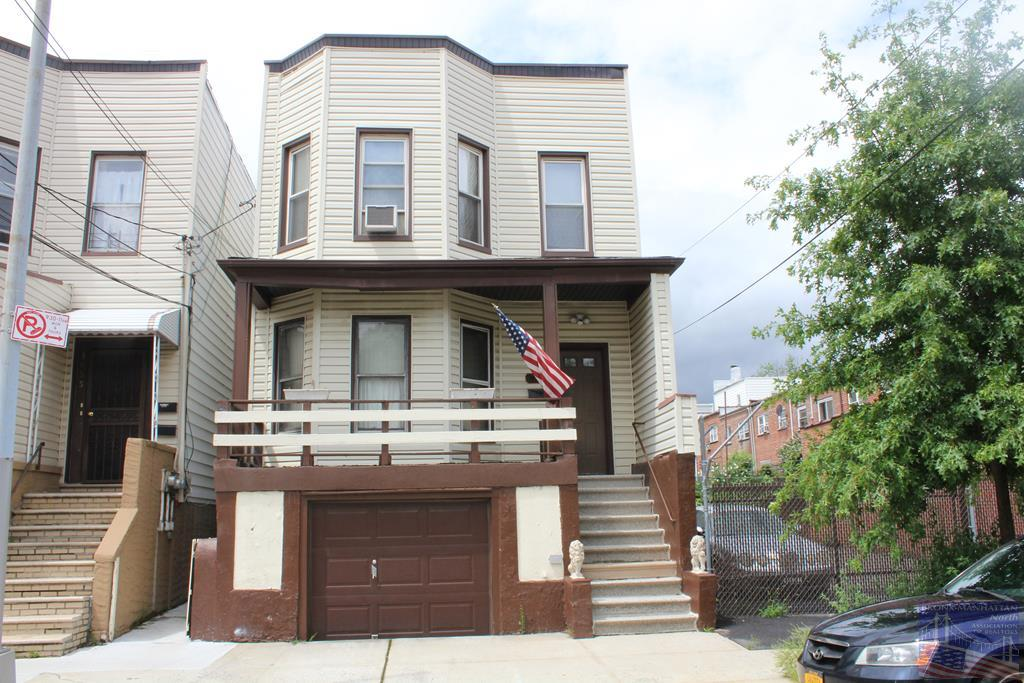 1657 Barnes Ave, Bronx, New York