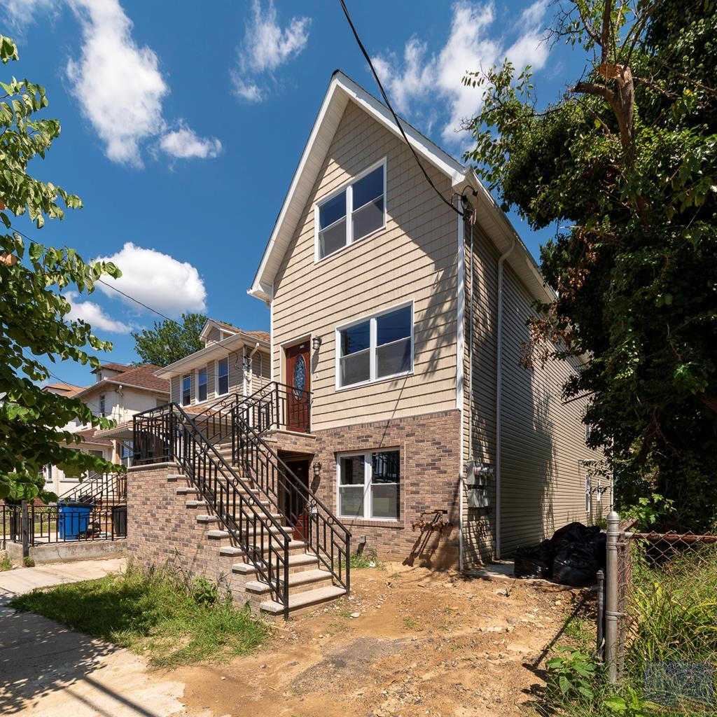 4432 Hill Ave, one of homes for sale in Bronx
