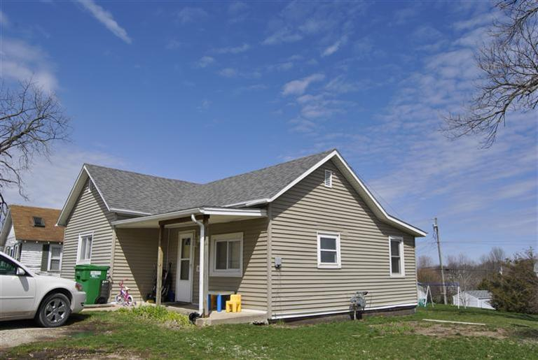 907 W Howard St, Creston, IA 50801
