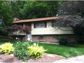 Rental Homes for Rent, ListingId:26222635, location: 1527 E Clairmont Pl Bloomington 47401