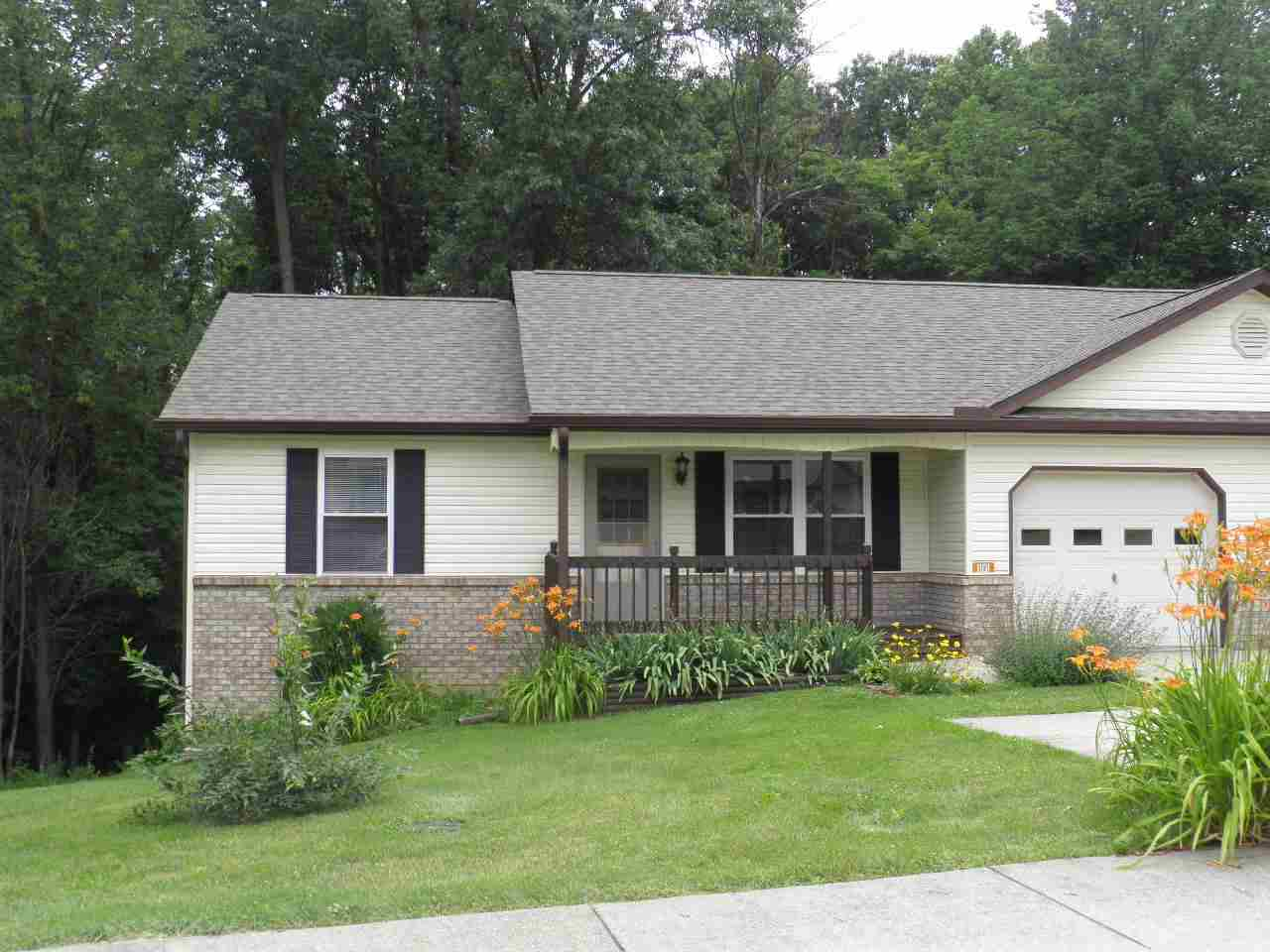 Rental Homes for Rent, ListingId:26543988, location: 1101 N Forest View Drive Ellettsville 47429