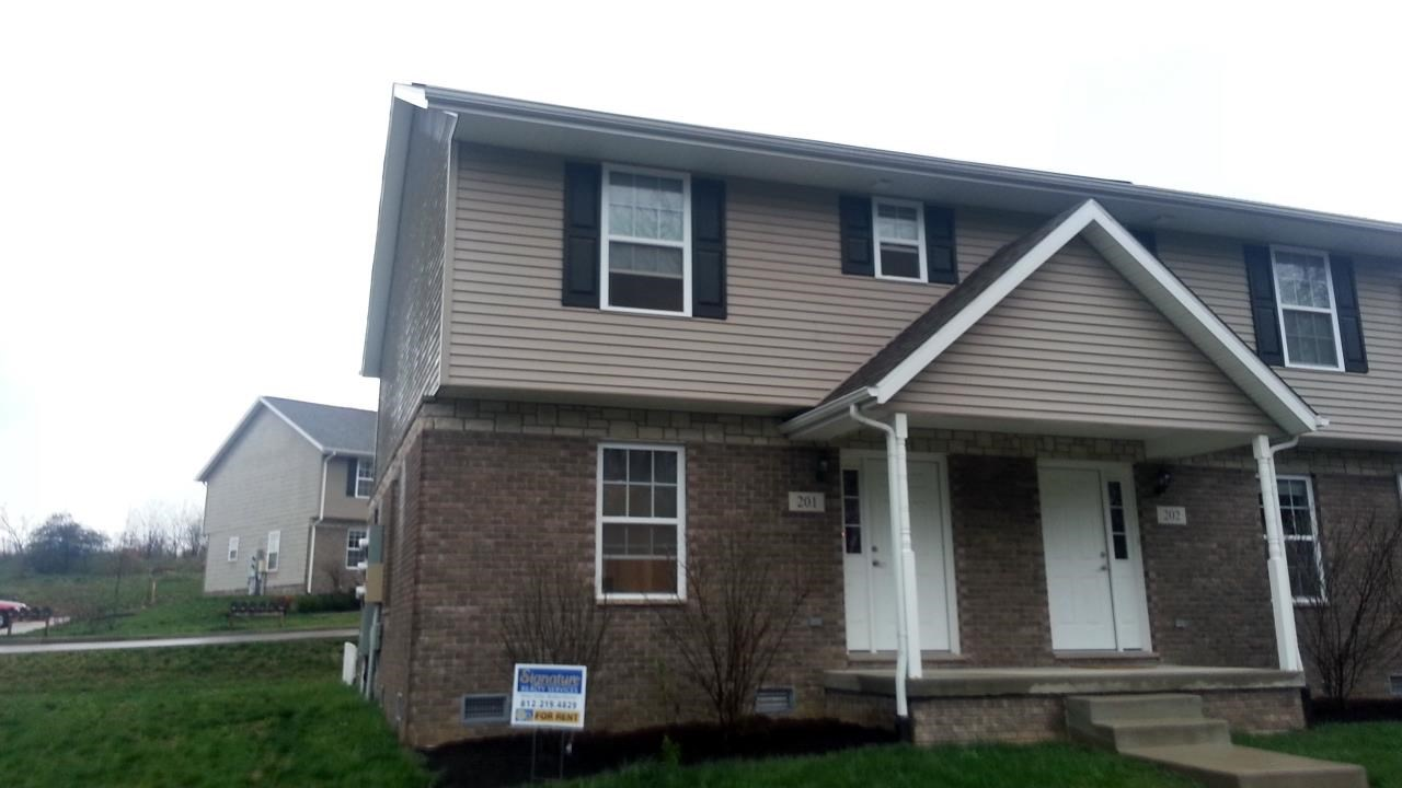 Rental Homes for Rent, ListingId:29069738, location: 1250 W Adams Hill Bloomington 47403