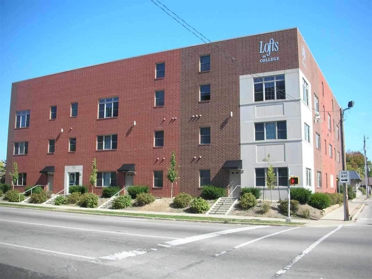 Rental Homes for Rent, ListingId:30256188, location: 702 N College Bloomington 47404