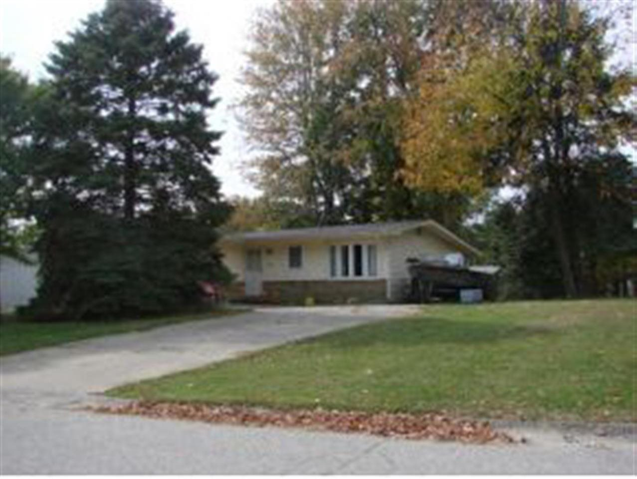Rental Homes for Rent, ListingId:31328799, location: 4147 W Middle Ct Bloomington 47403