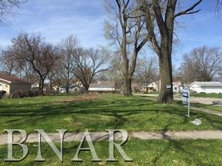 1112 N Morris, Bloomington in McLean County, IL 61701 Home for Sale