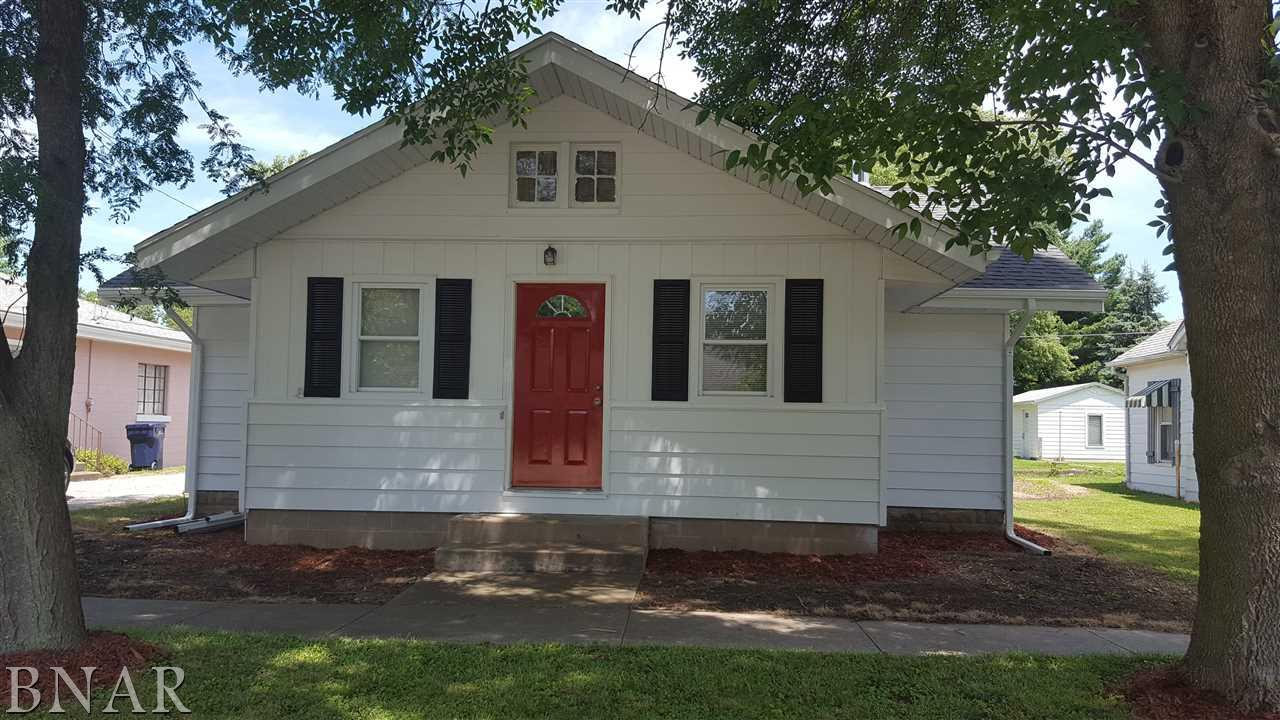 417 NW Main St, Hopedale, IL 61747