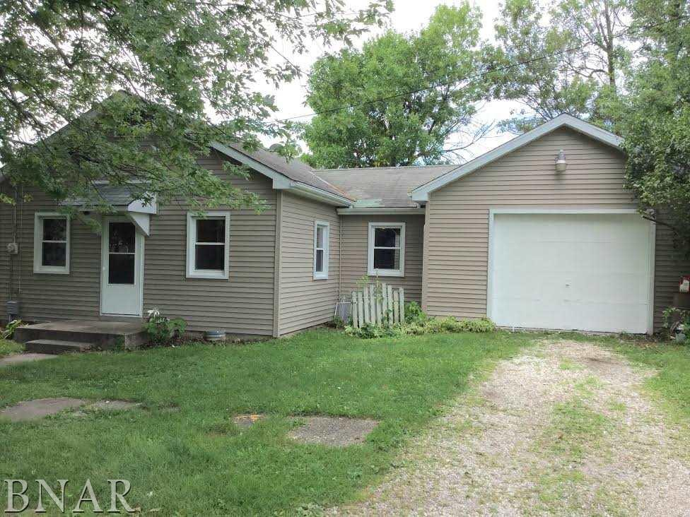 Photo of 104 N White St  Mackinaw  IL