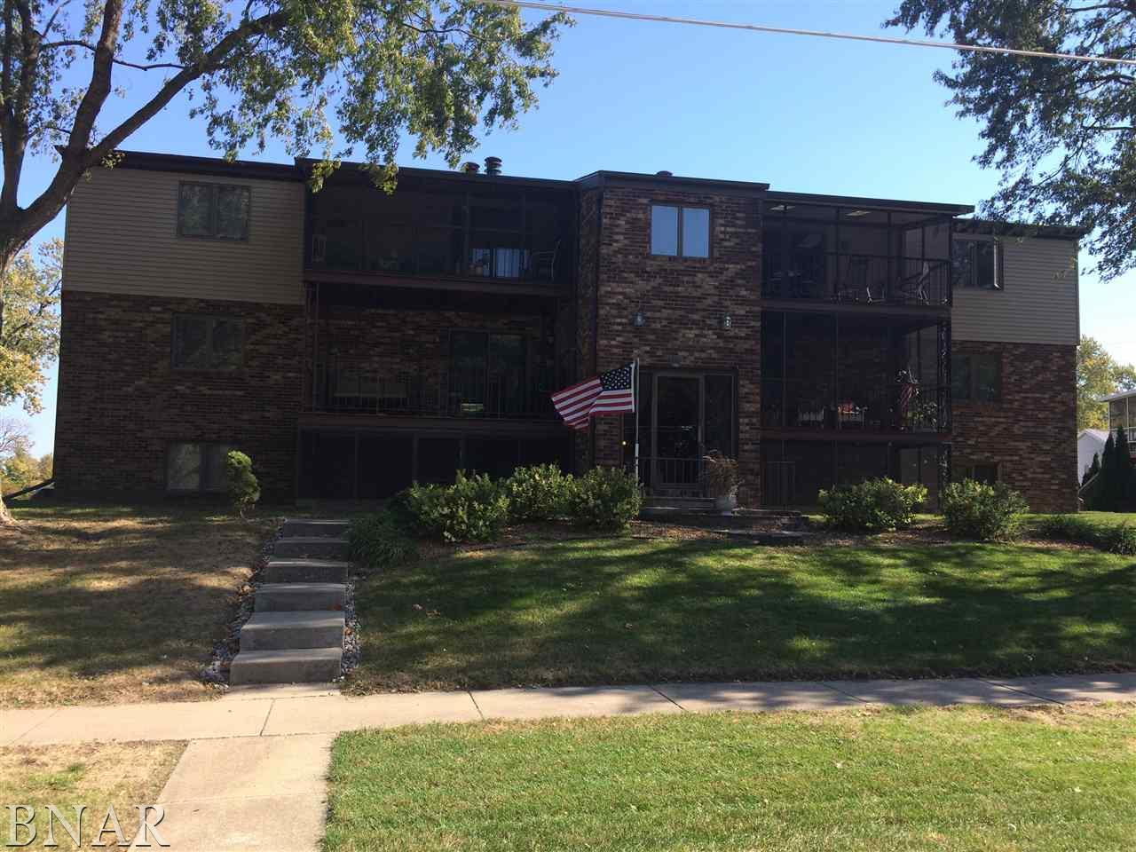 824 McGregor St, Bloomington, IL 61701