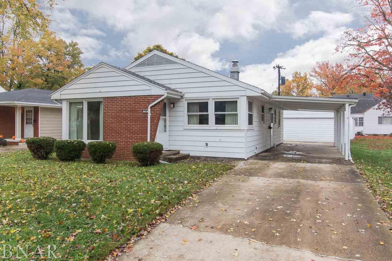 10 Sylvan Ln, Bloomington, IL 61701