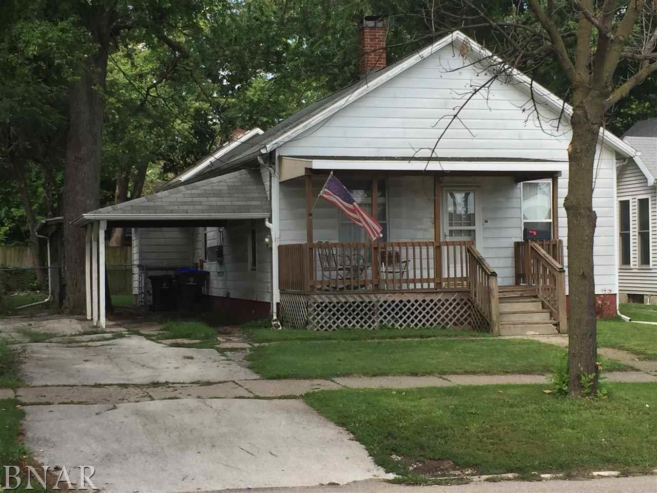 Photo of 904 N Center  Bloomington  IL