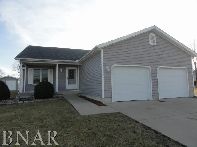 Photo of 405 Sunset DR  Colfax  IL