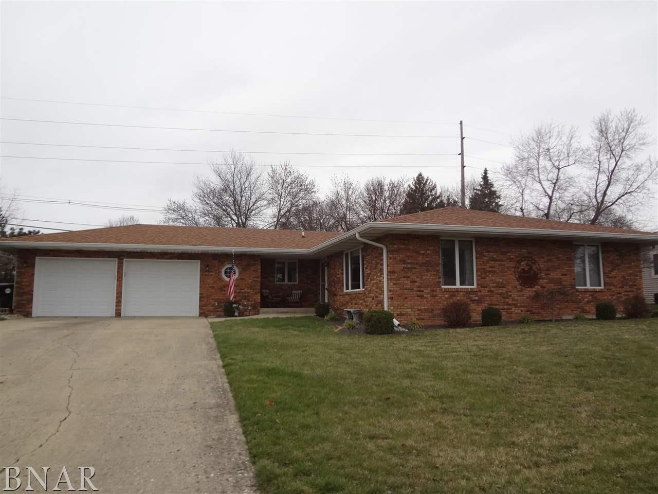 509 Cedar Dr, Clinton, IL 61727