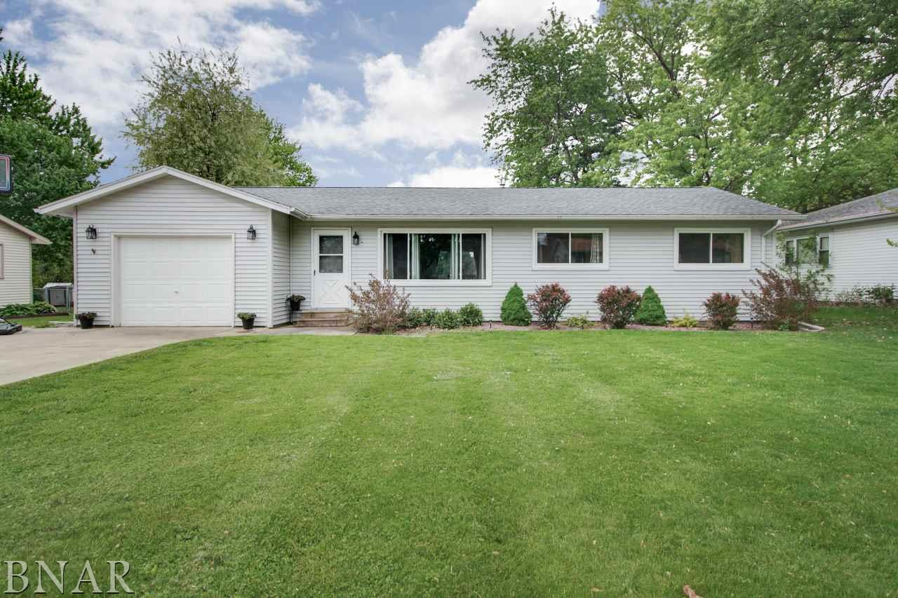 Photo of 611 Meadow Lane  LeRoy  IL