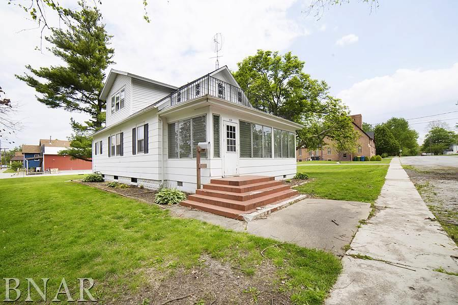 Photo of 309 W Chestnut  Lexington  IL