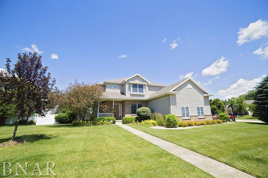 Photo of 102 Meadowland  Lexington  IL