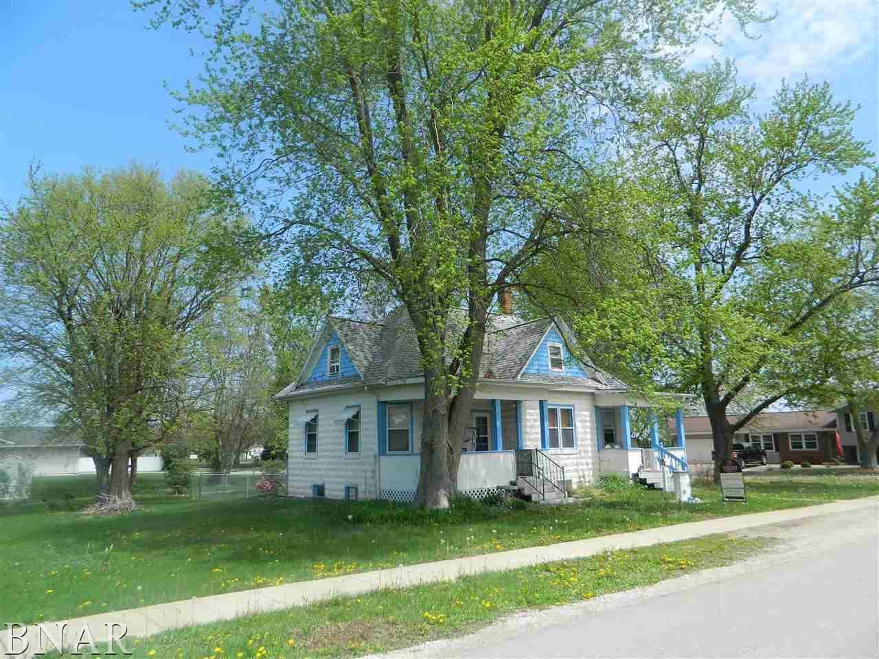 507 Chatham Lexington, IL 61753
