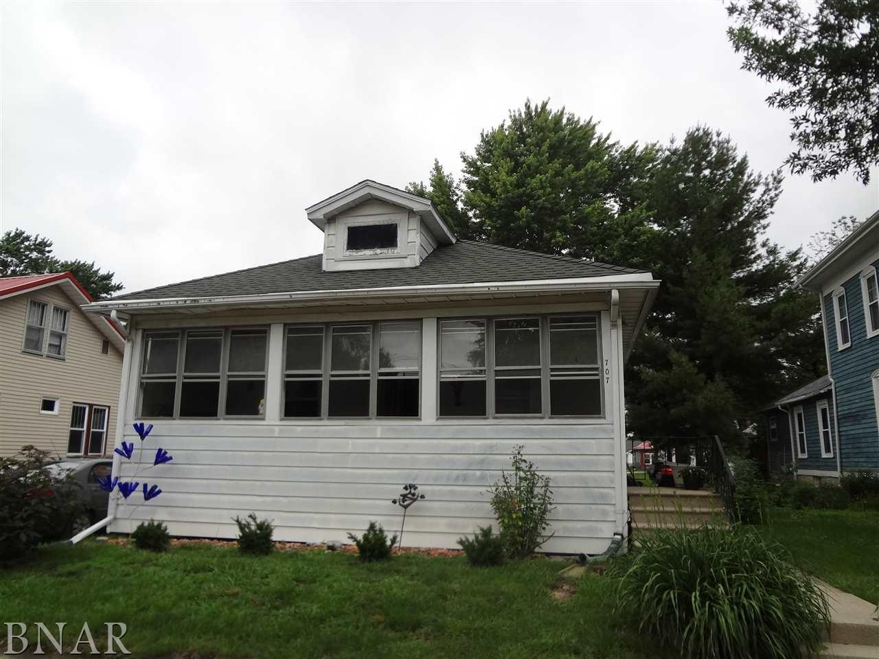 707 W South Clinton, IL 61727