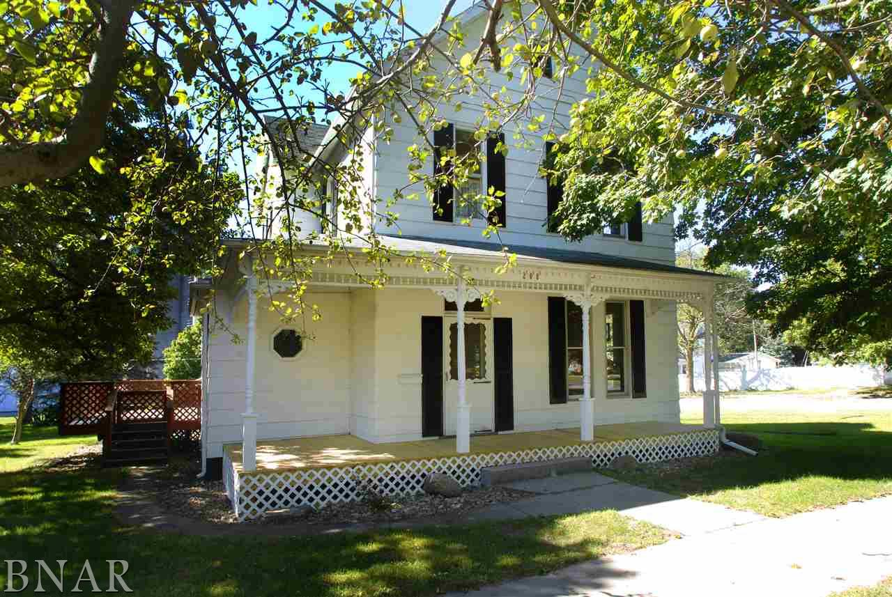 208 N Cedar Lexington, IL 61753