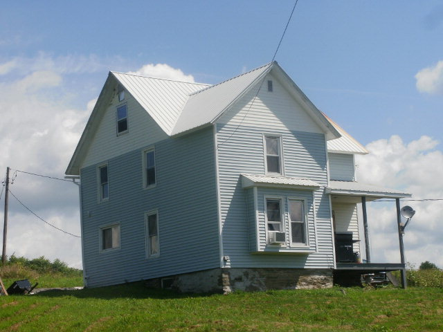 857 Edinger Hill Rd, Laceyville, PA 18623