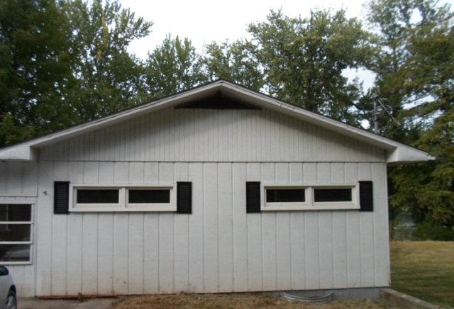 28 Maple Grove Ln, Tunkhannock, PA 18657