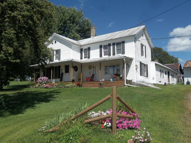 2492 S Macafee Rd, Sayre, PA 18840