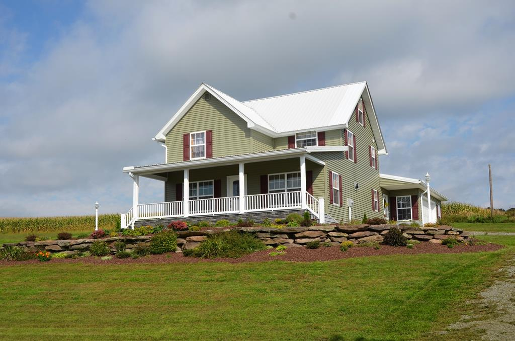 857 Edinger Hill Rd Laceyville, PA 18623