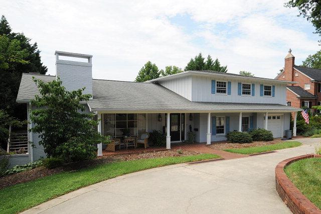 216 Riverside Dr, Morganton, NC 28655