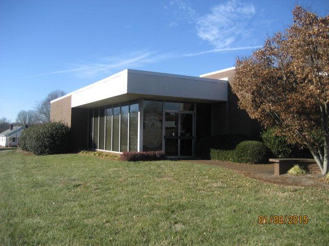 2004 N Main Ave, Newton, NC 28658