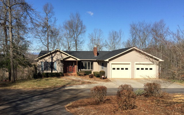 2810 Twin Oaks Dr, Morganton, NC 28655
