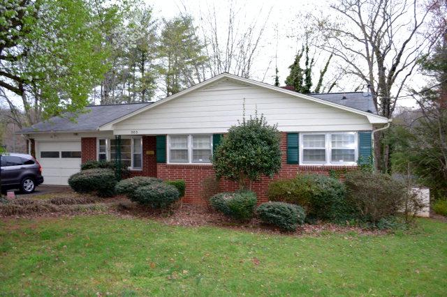 303 Wilson St, Morganton, NC 28655