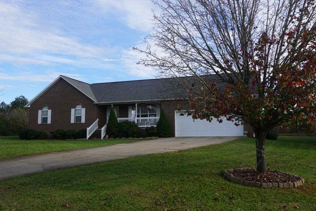 5178 Cedar Bark Ln, Hickory, NC 28602