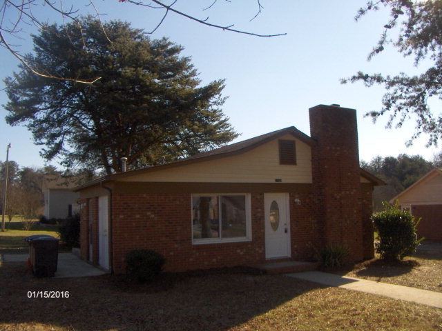 1103 Mclaughlin St, Statesville, NC 28677